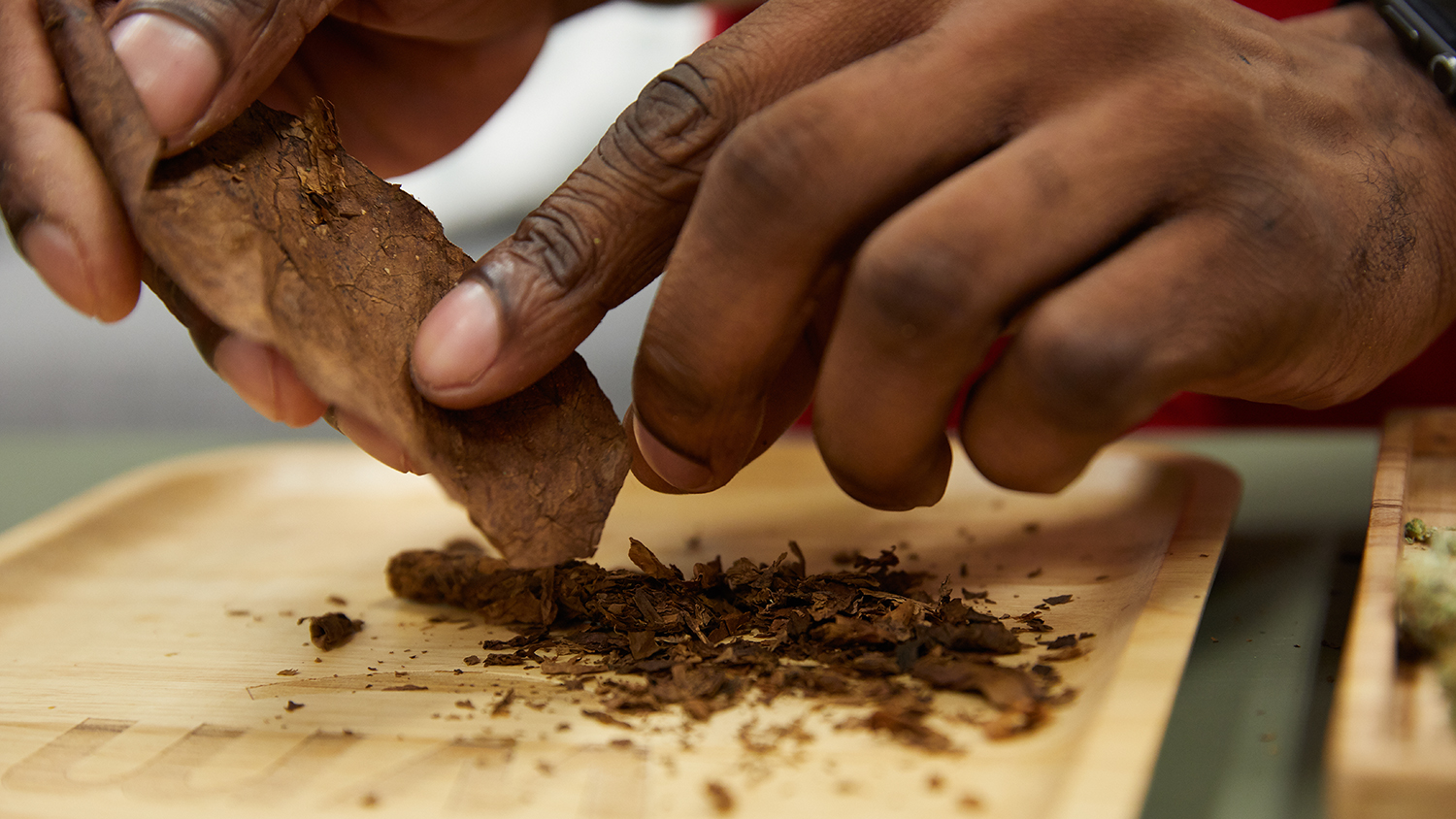 how to roll a back wood